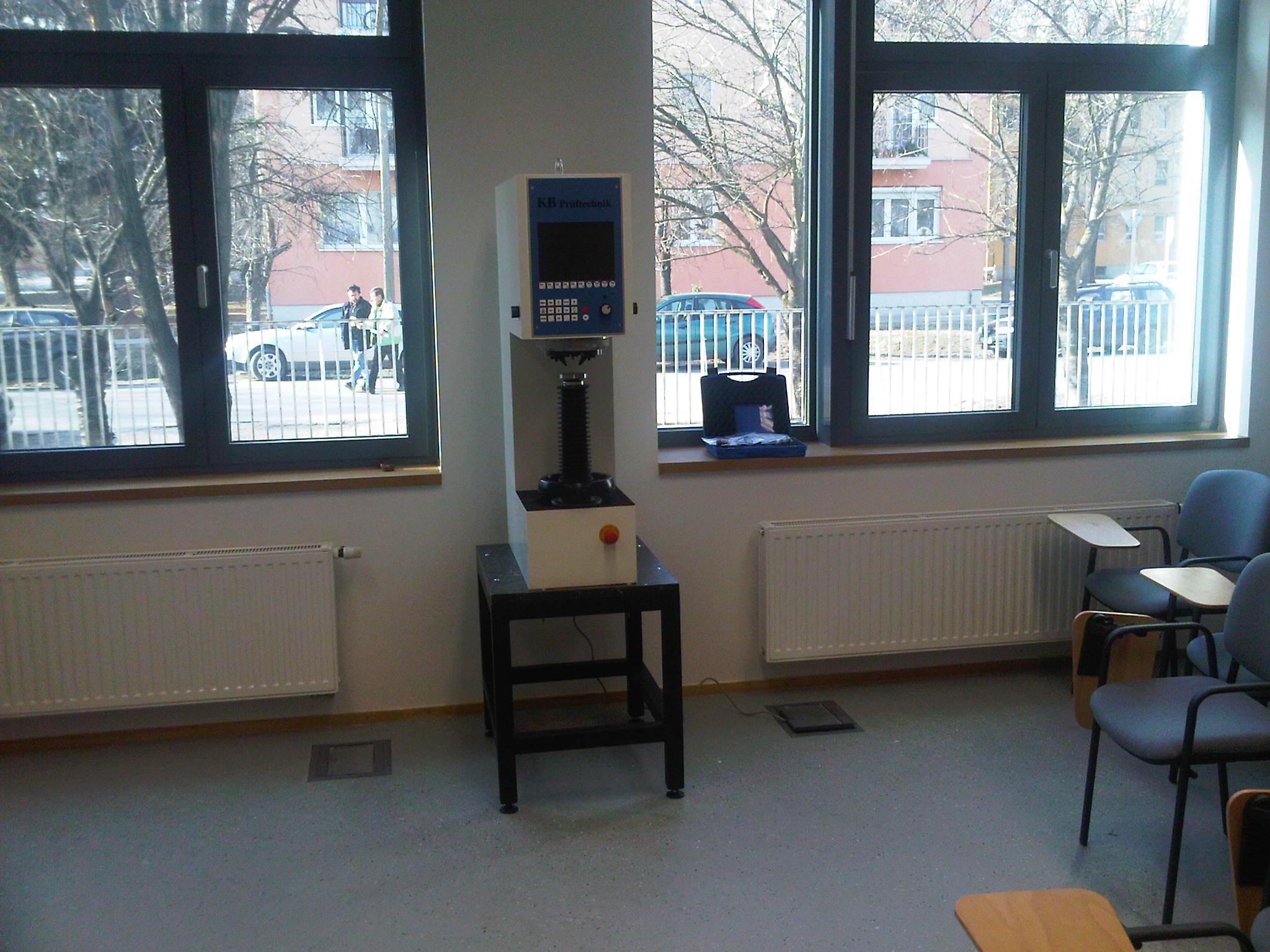 A 2012-es évet egy újabb AVI labor átadásával indítottuk